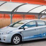 Un italiano su tre vorrebbe acquistare un'auto ibrida o elettrica